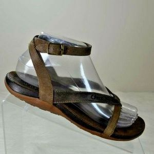 Chaco Juniper Otter Brown Leather Thong Sandals